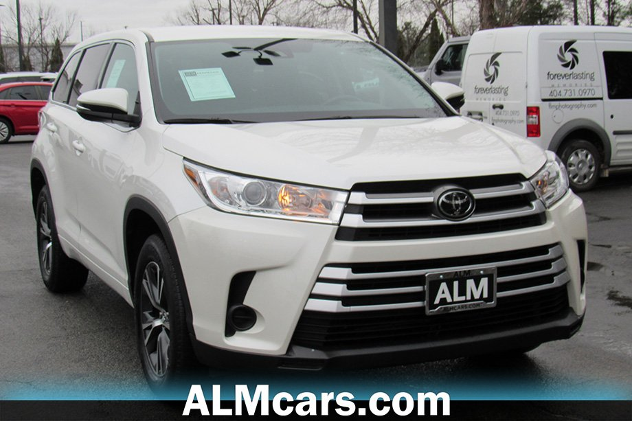 Pre-Owned 2017 Toyota Highlander LE