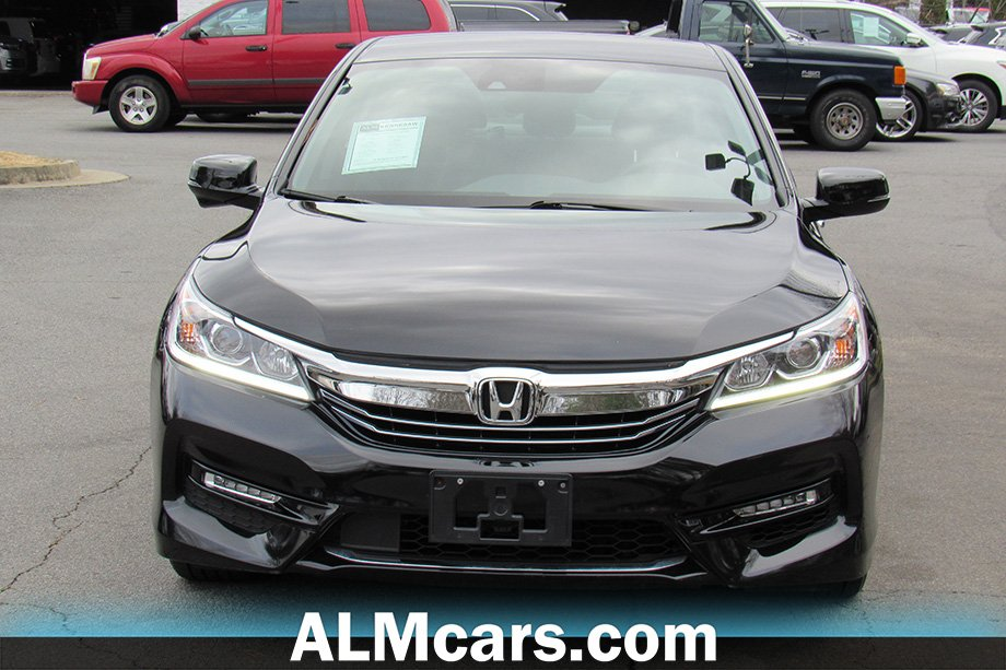 Pre-Owned 2017 Honda Accord Hybrid Base