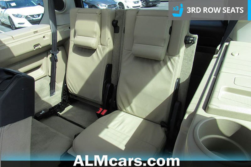 Pre-Owned 2015 Land Rover LR4 LUX