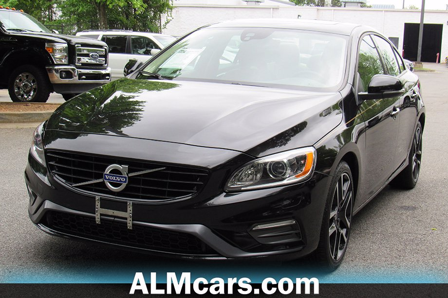 Pre-Owned 2017 Volvo S60 Dynamic